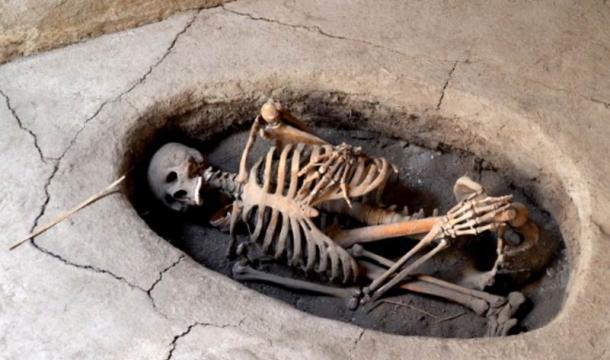asikli-hoyuk burial